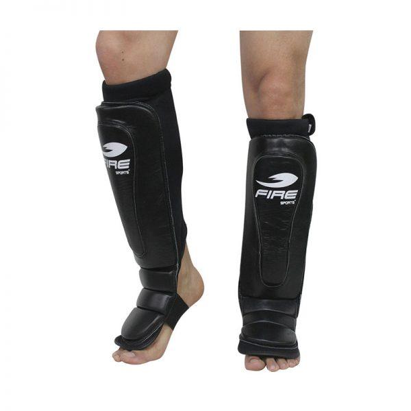 Par de espinilleras de PIEL tipo calceta color Negro
